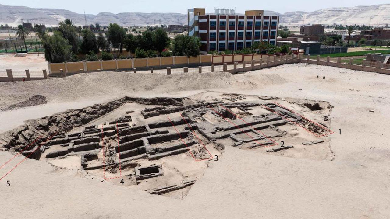 The remains of a 5,000-year-old brewery found in Egypt |  Currently