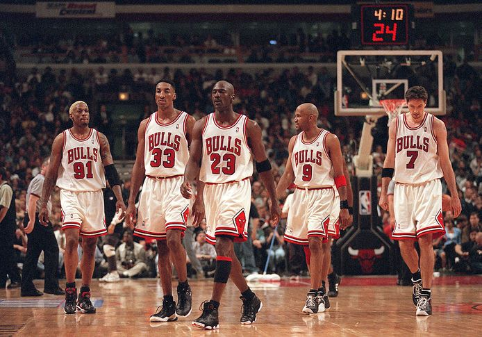 Dennis Rodman has played with the Chicago Bulls for years.  Left to right: Rodman, Scotty Pippen, Michael Jordan, Ron Harper and Tony Kocock.