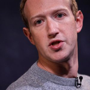 """""""Facebook Comes With Its Smartwatch For Messages And Fitness"""" 