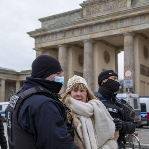 """German scientists should have justified the lockdown and increased fear"" 