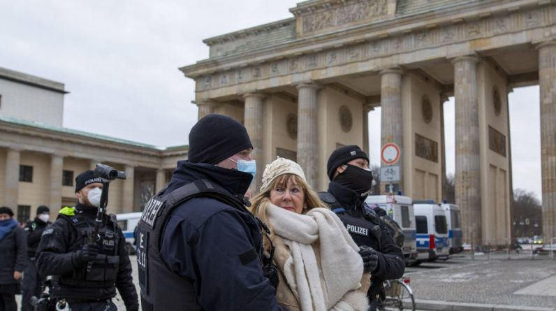 """""""German scientists should have justified the lockdown and increased fear"""" 