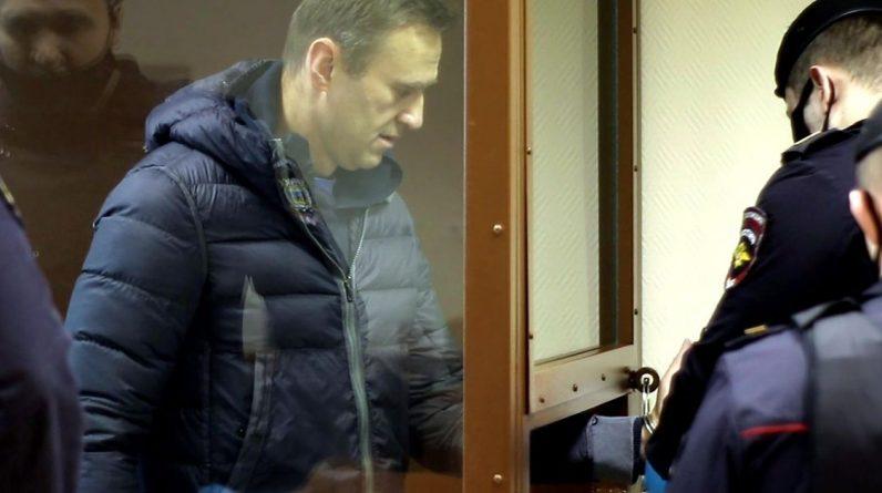 Navalny Prosecutor demands fine for insulting veteran    Abroad