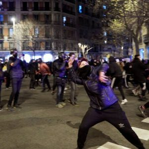 Riots on the third night in Spain to imprison the rapper