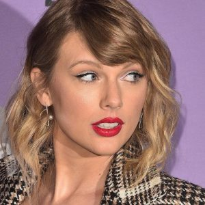 Taylor Swift's New Album Fearless: Taylor's Release Is af |  No
