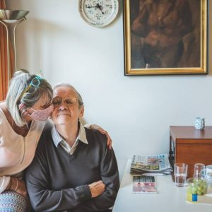 The first cautious relaxation in residential care centers: More visitors and freedom of movement |  Interior