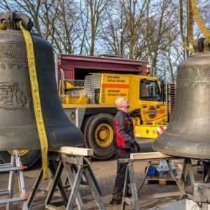 Klokken van het Netherlands Carillon gereedgemaakt voor vertrek