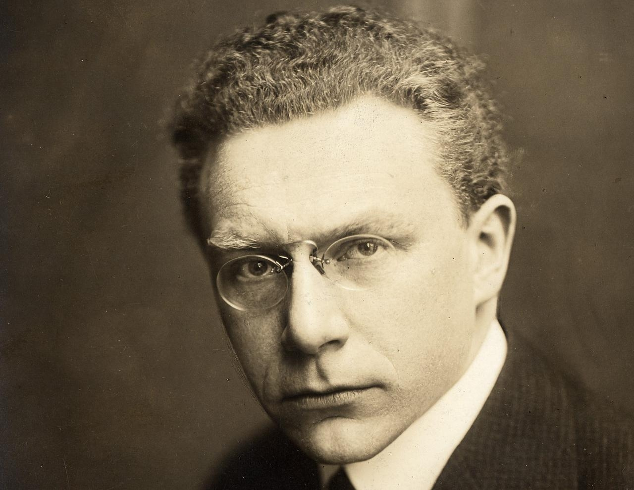 Biography of the forgotten Oscar-winning composer, pianist and Oscar winner from Liverton, Richard Hogman