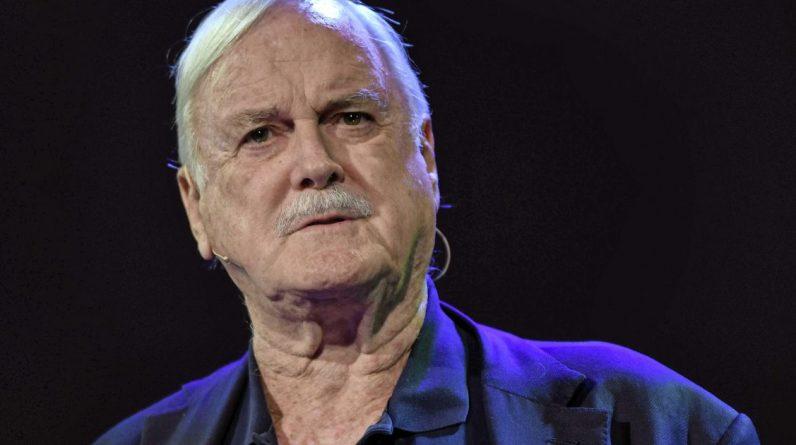 John Cleese makes fun of Quinn |  Entertainment