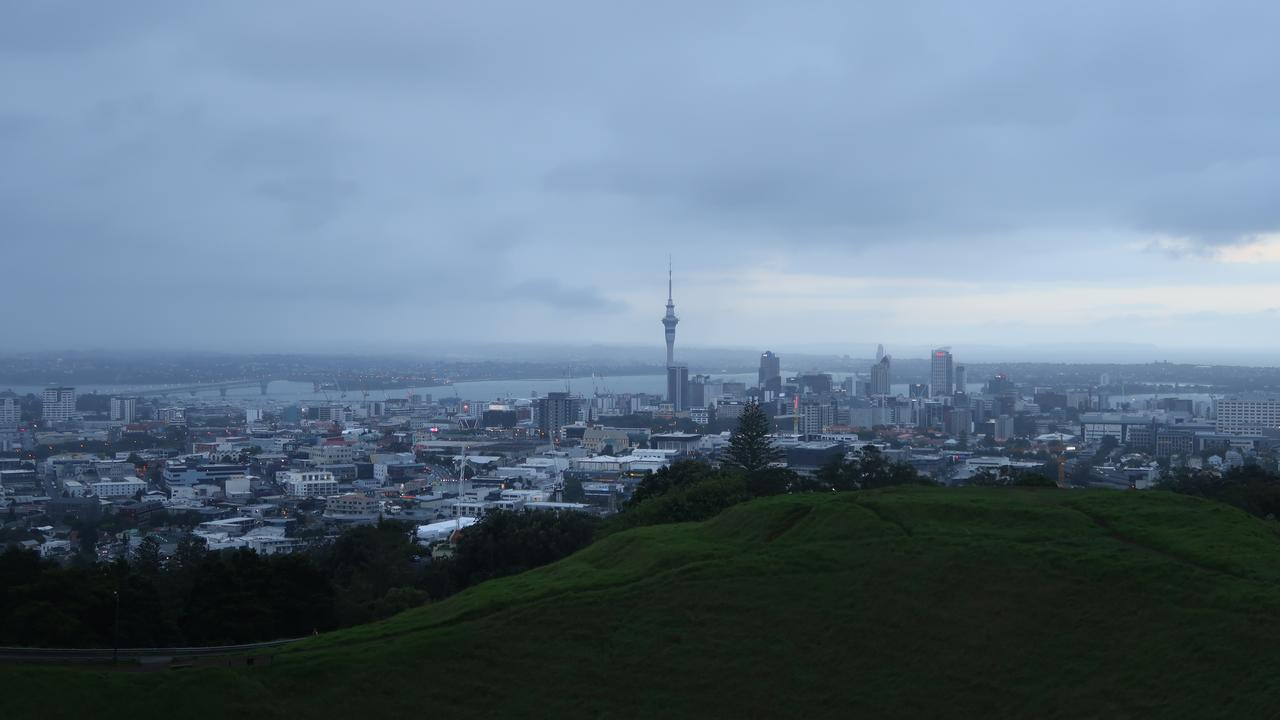 Tsunami warning for New Zealand after coastal earthquakes |  Currently