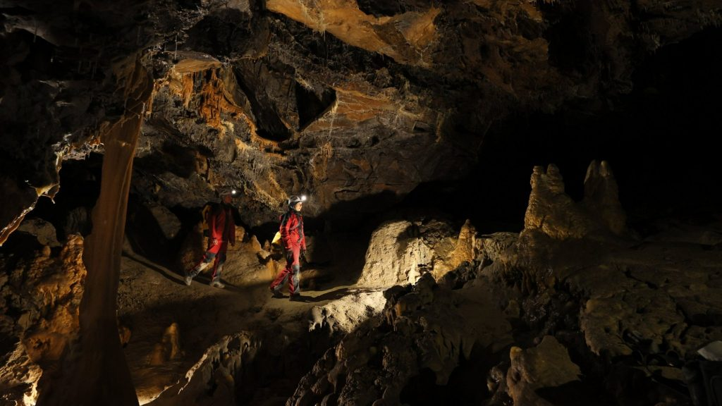 10 Shades and Total Darkness: The volunteers returned after 40 days of isolation in a French cave