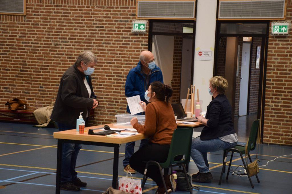 Corona vaccination in Van der Pigalle in Coulomb