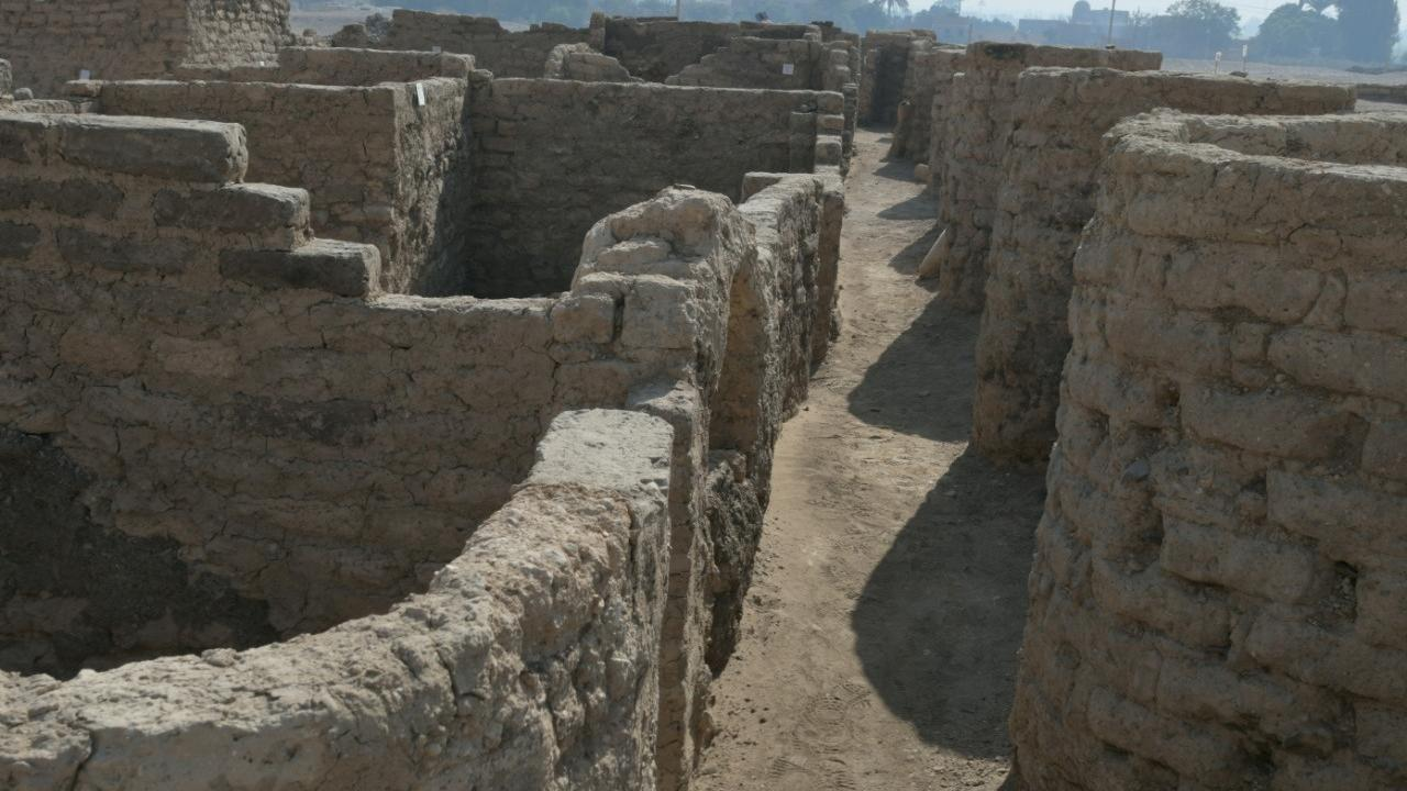 """Finding the city of Pharaoh near Luxor: """"The largest discovery since the tomb of Tutankhamun""""    right Now"""