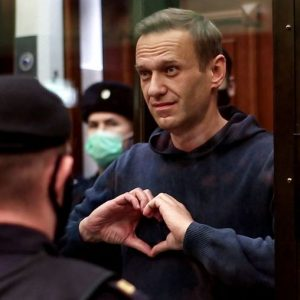 Forced feeding threatens Alexei Navalny, the opposition leader outside the infirmary