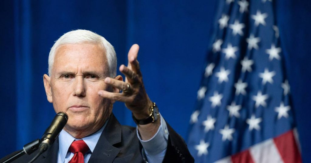 Former Vice President Pence hugs Trump in a speech |  abroad
