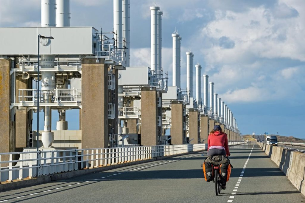 From a world tour to the Netherlands by bicycle from Worcester to Marica van der Meer