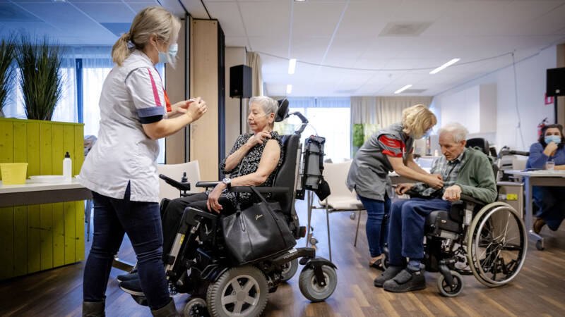 Most of the residents have been vaccinated, but nursing homes have not yet dared to relax