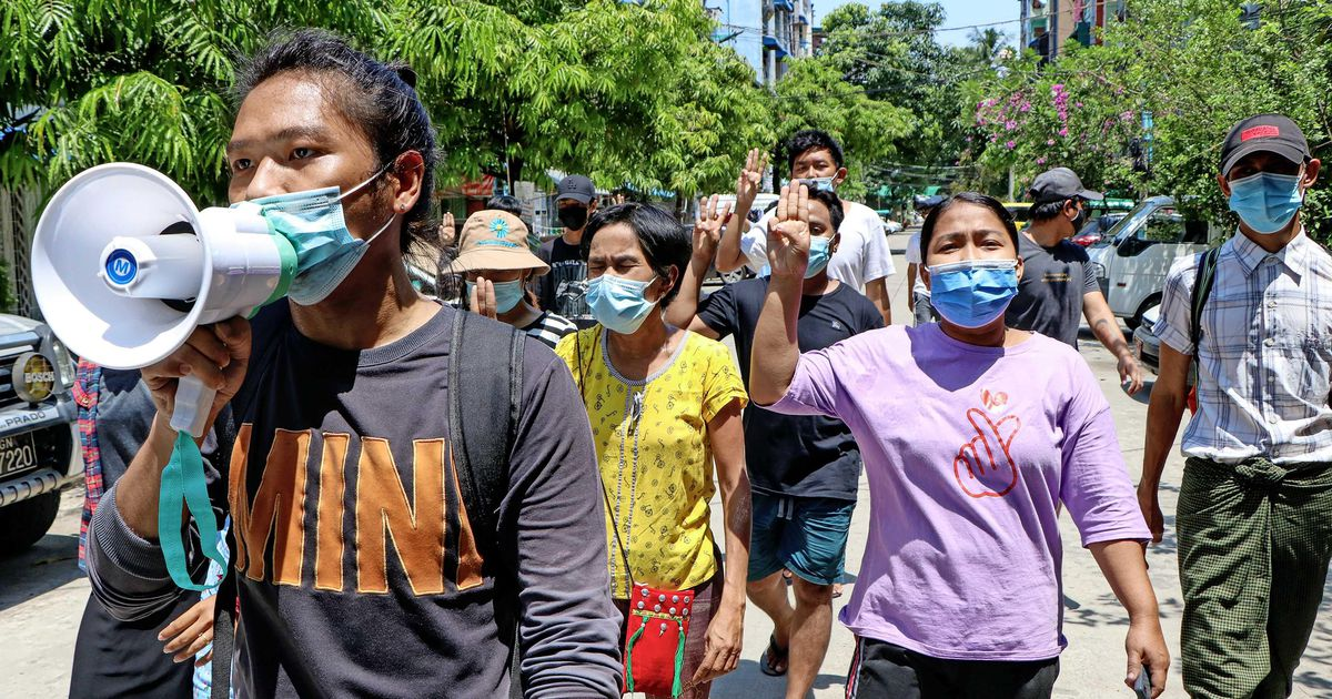 Myanmar army sentences 19 protesters to death |  abroad