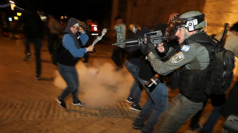 Once again riots in Jerusalem between the Israeli police and the Palestinians
