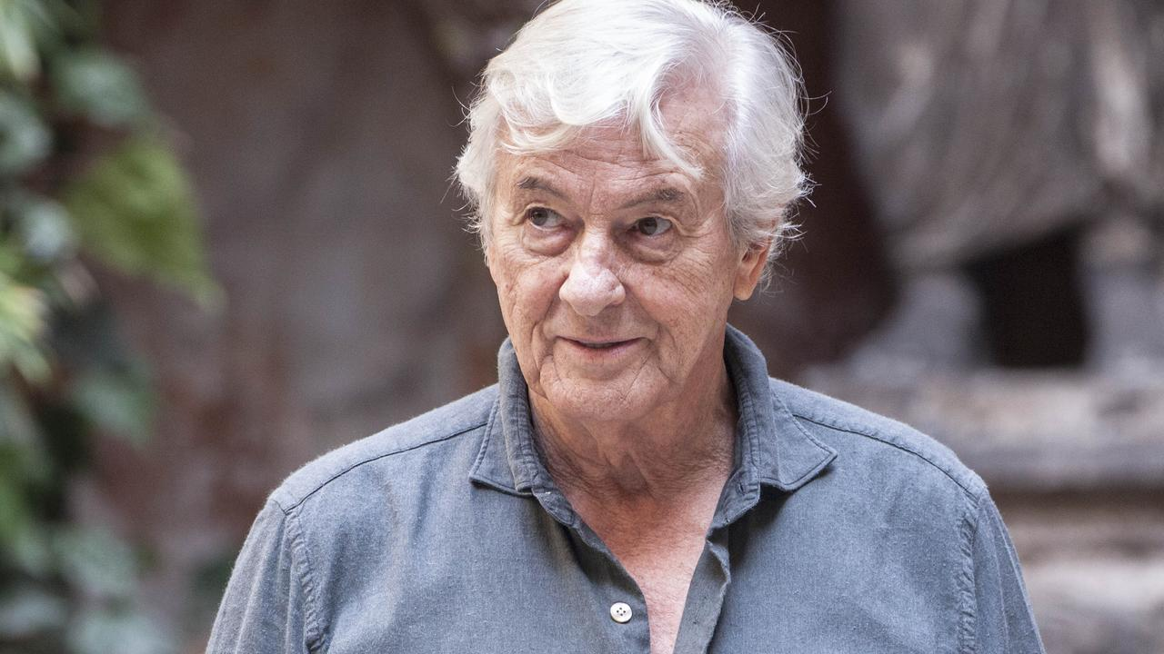 Paul Verhoeven denies that Sharon Stone hit him after he saw a famous scene |  right Now