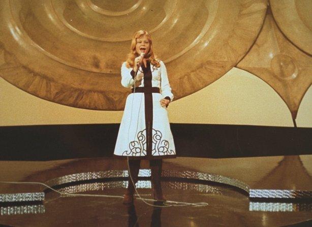 0236/005 Marian Mint represents Austria in the Eurovision Song Contest at Gaiti Theater, Dublin.