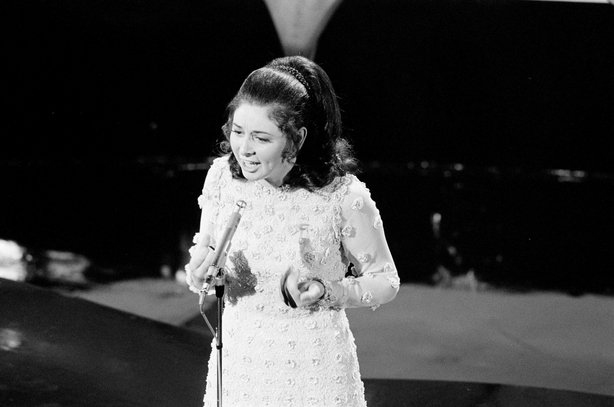 Angela Farrell represented Ireland in the Eurovision Song Contest (1971) 2110_014