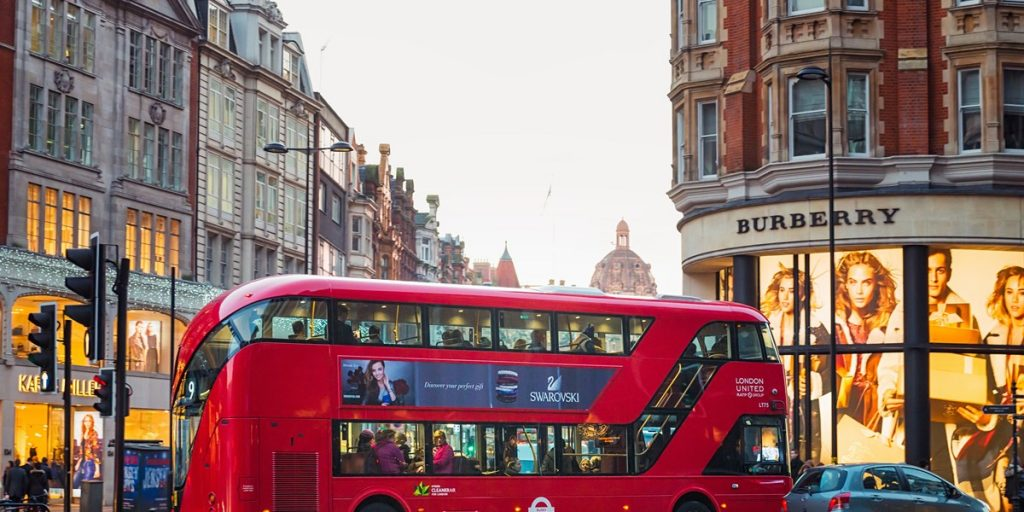 Britse economie schakelt twee versnellingen hoger