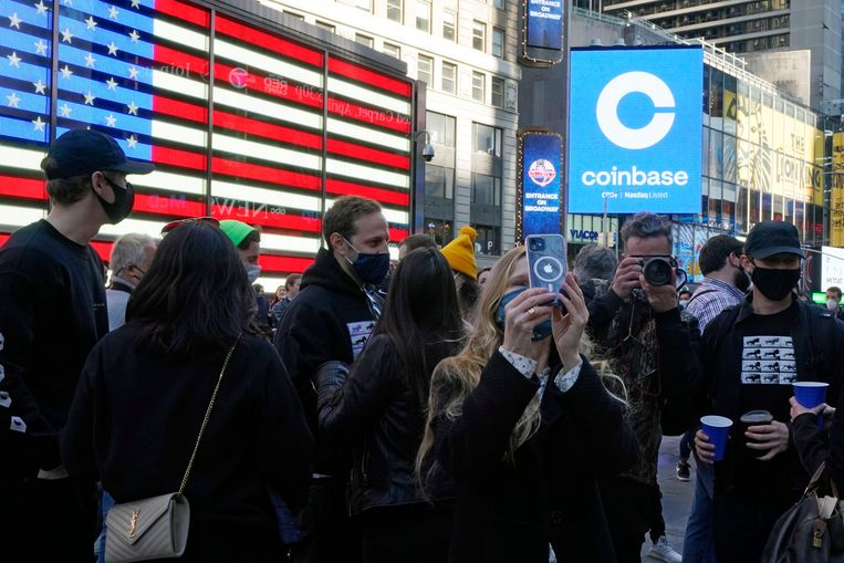 The crypto platform Coinbase went directly with the most valuable companies in the US after the IPO