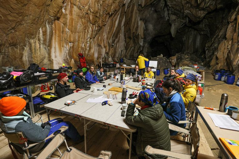 The group lives forty days in a damp cave in the Pyrenees, in the name of science