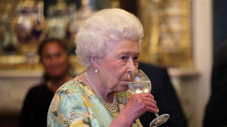 This work confirms Queen Elizabeth's wonderful humor