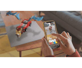Pick up a connected LEGO lens