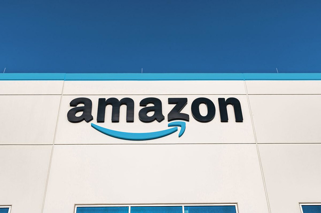 Amazon: 75,000 employees in North America, Vaccine - Companies