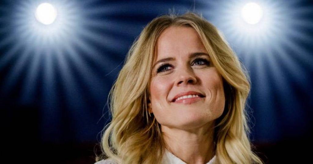 """Ilse DeLange opens the door to Eurovision: """"With the right song I want to do it again""""    Turns out"""