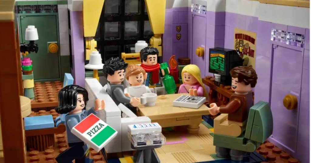 Lego launches the Friends Edition, especially for die-hard fans of the series    a family