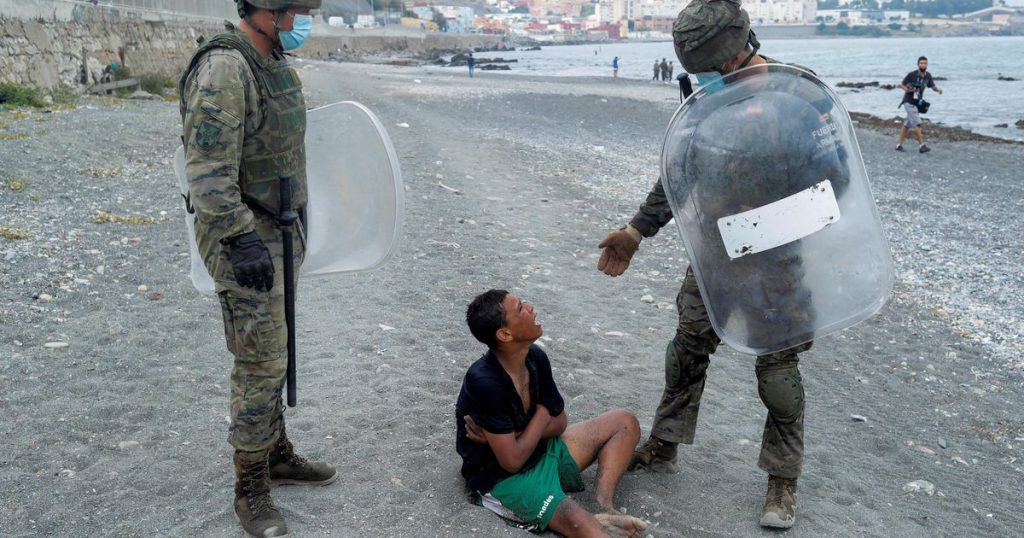 Spain returned 6,500 migrants after storming Ceuta    abroad