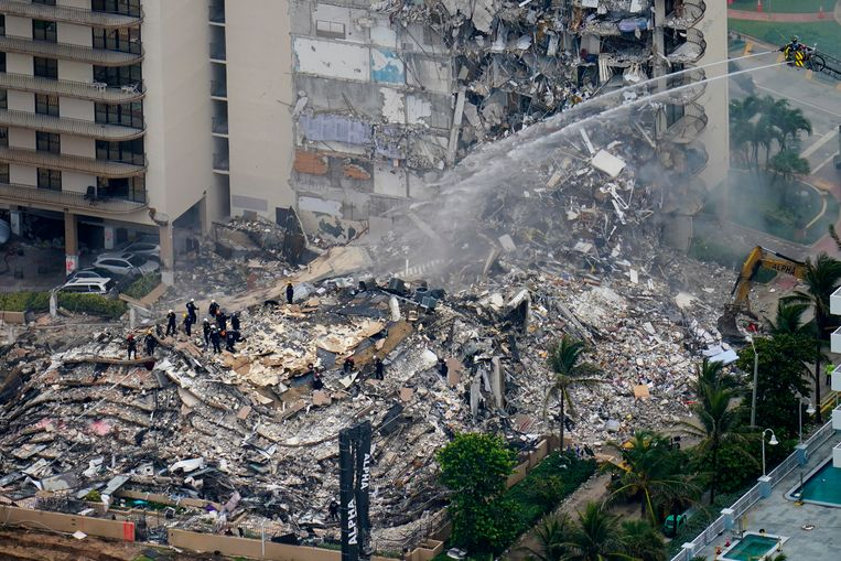 159 Missing in Miami: How could a 12-story building collapse?