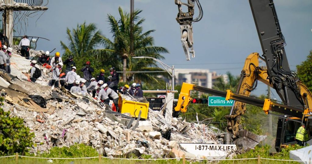 The desperate search for survivors continues under the rubble of the Miami disaster |  abroad