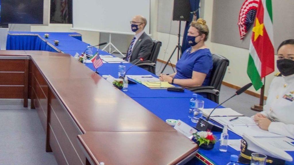 Suriname en Verenigde Staten van Amerika in dialoog