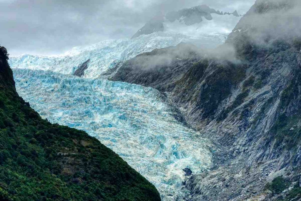 Unknown viruses discovered in 15,000-year-old icebergs