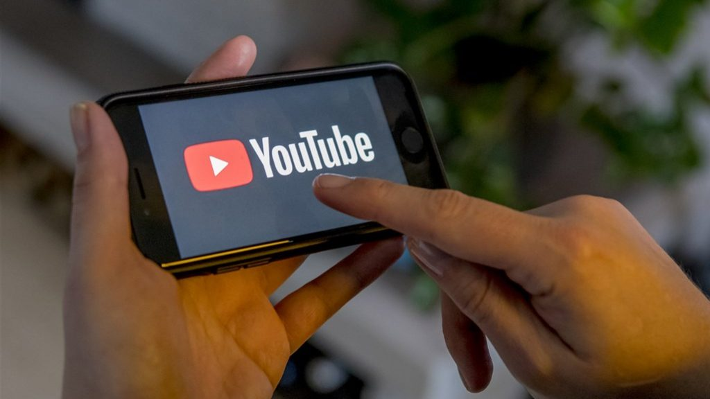 A US police officer is abusing the copyright system to stay away from YouTube
