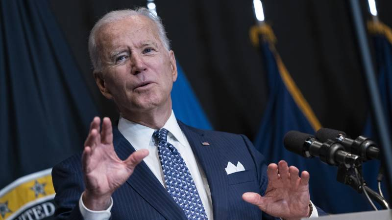 """Biden considers the mandatory vaccination of officials • """"England opens the door to the stinging of the European Union and the United States"""""""