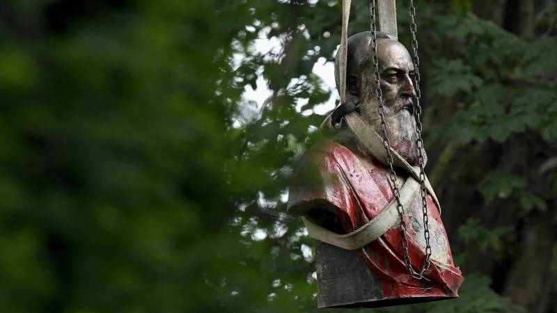Bust of controversial King Leopold II has disappeared in Ostend