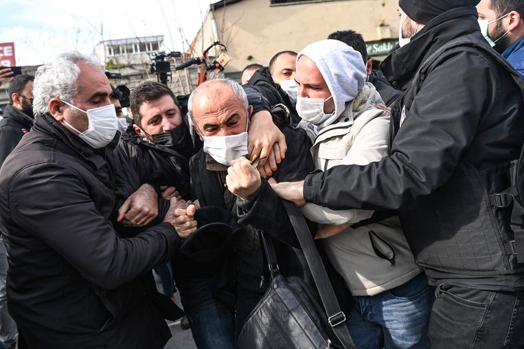 The Turkish dean was expelled after six months of protest from his universityجامع