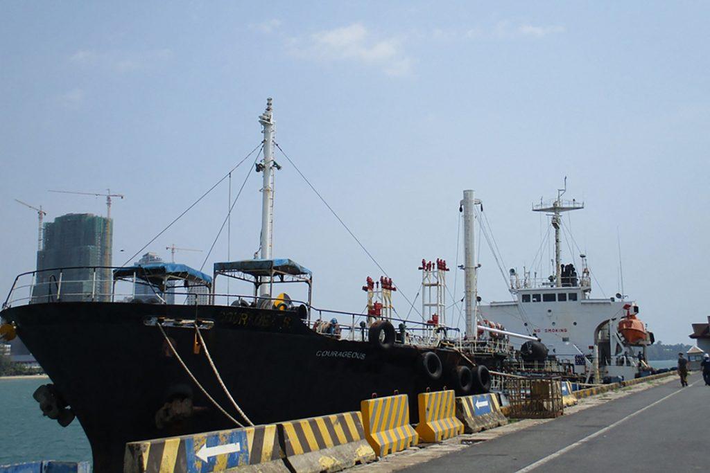 Verenigde Staten leggen beslag op olietanker die gebruikt werd voor illegale levering aan Noord-Korea