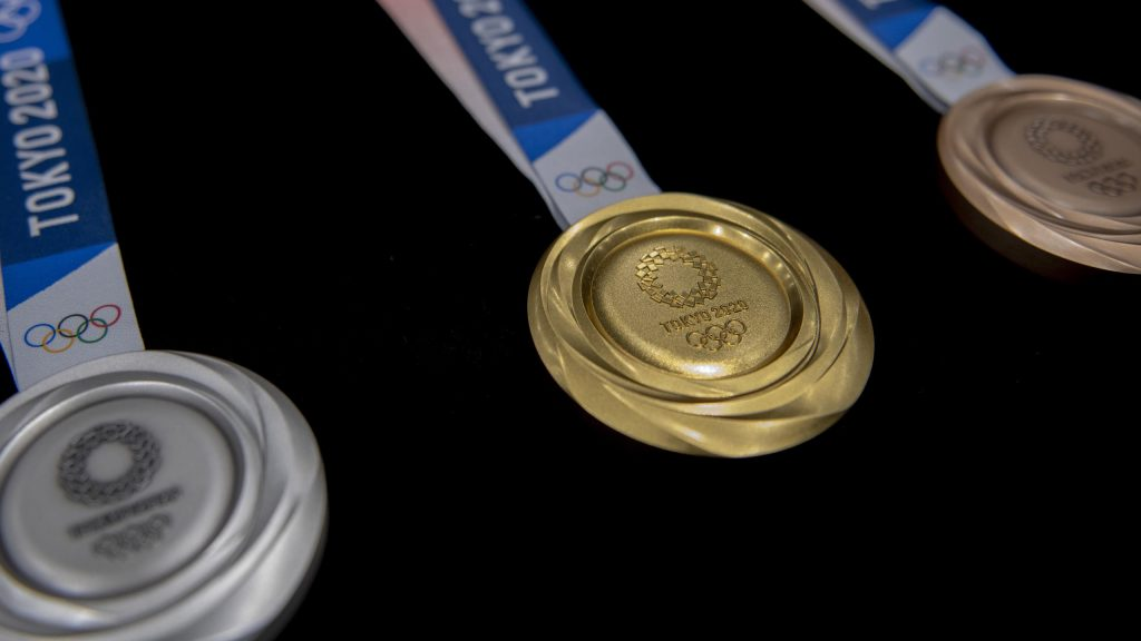 Tokyo 2020    The first gold medal in Tokyo is for China