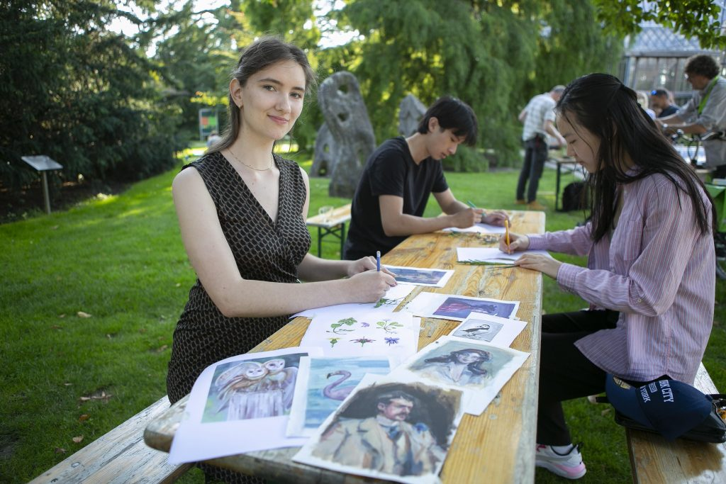 Livia Pietro has a creative and educational summer job at... - De Gooi