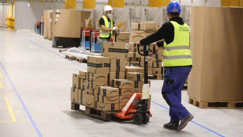 Amazon plans to destroy fewer unsold and returned items