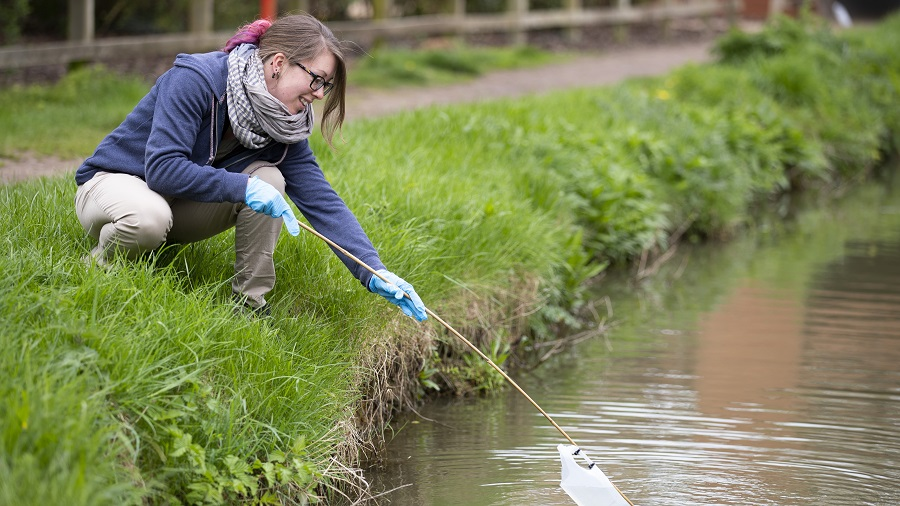 Citizen Research introduced FreshWater Watch in the Netherlands