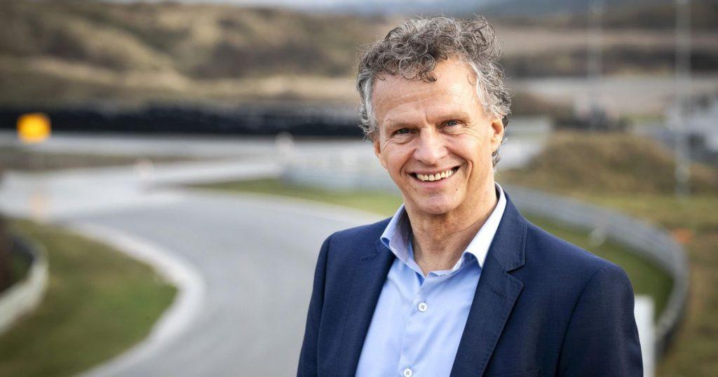 Dutch sports director Grand Prix responds to an uproar about Prince Bernard    civilization