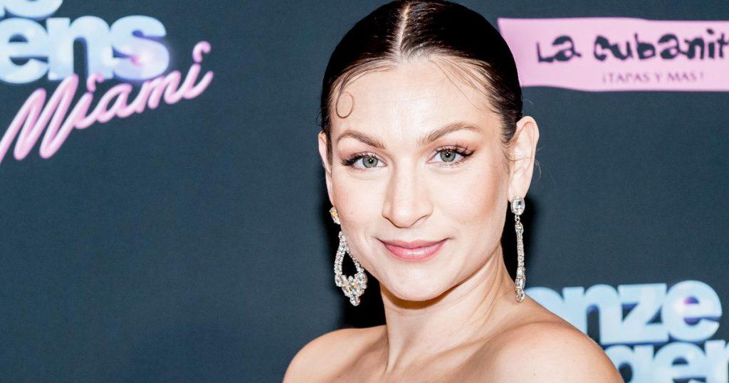 Eva van de Wijdfen stops acting    stars