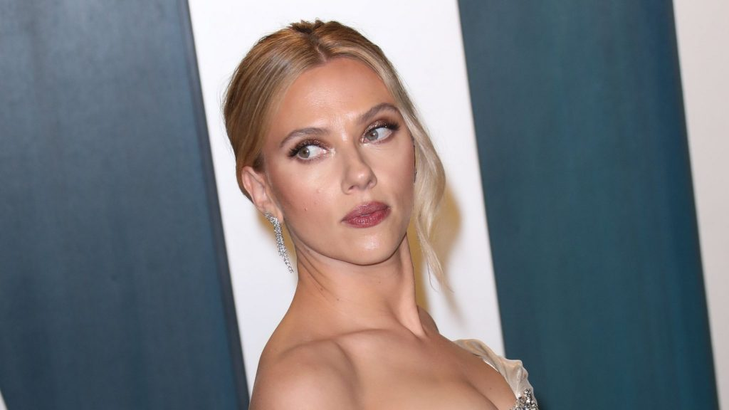 Many stars follow Scarlett Johansson after Disney sues